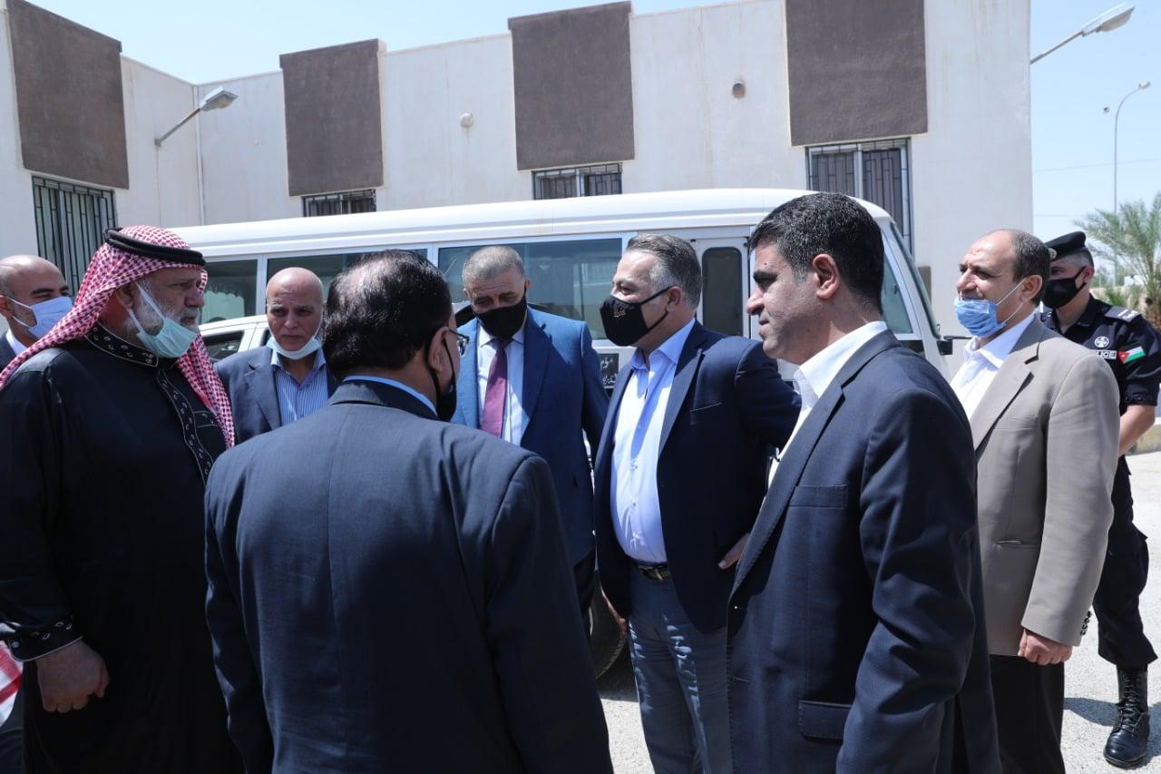 وزير التخطيط يزور مركز -235